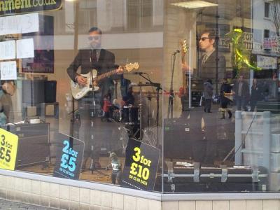 2013-03-30 Snakeman 3 Thats Entertainment Window Northampton